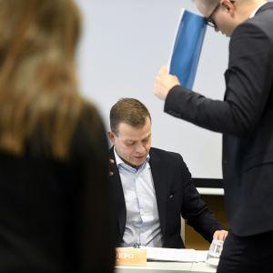 Petteri Orpo kokoomuksen puoluehallituksen kokouksessa Helsingissä.