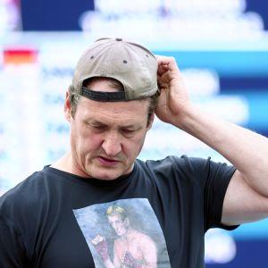 Valmentaja Kimmo Kinnunen yleisurheilun kotimaisen GP-sarjan kilpailussa Lapinlahdella 17. heinäkuuta 2019.