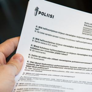 Kuva Poliisin tekemästä Juha Mäenpään kuulustelupöytäkirjasta.