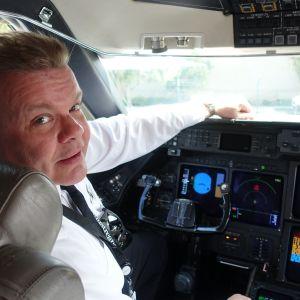 Peku Karu Los Angeles lentäjä