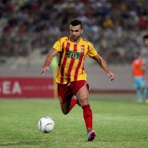 Liliu Maltan liigan Birkirkara FC:n paidassa vuonna 2015.