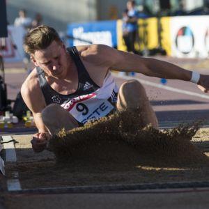Roni Ollikainen ei ole jäänyt lepäämään laakereilleen, kun loukkaantumiset pilasivat urheilu-urasta monta vuotta.