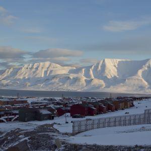 Huippuvuorten suurin asutuskeskus Longyearbyen