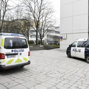 Helsingin poliisilla oli perjantaina puolenpäivän jälkeen useiden partioiden hälytystehtävä Itä-Pasilaan.