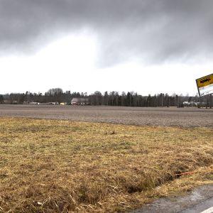 Peltomaisema Vantaalla.