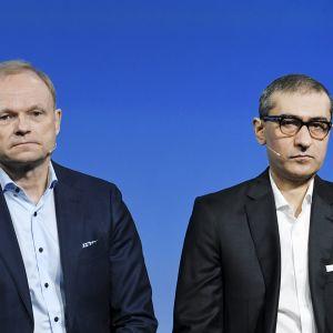 Nokian uusi toimitusjohtaja Pekka Lundmark sekä väistyvä toimitusjohtaja Rajeev Suri.
