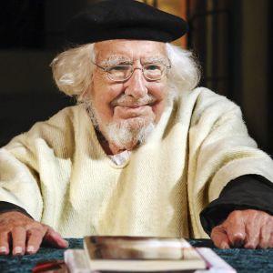 Pappi ja runoilija Ernesto Cardenal kuoli maaliskuun ensimmäisenä päivänä.