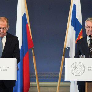 Venäjän ulkoministeri Sergei Lavrov ja Pekka Haavisto.