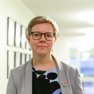 Ympäristö- ja ilmastoministeri Krista Mikkonen (vihr.)