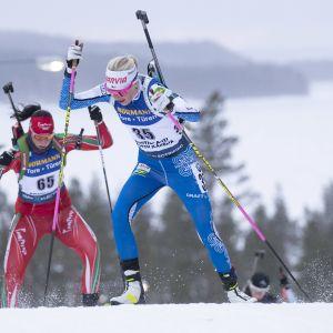 Kaisa Mäkäräinen hiihti viimeistä kertaa maailmancupin kisoissa kotiladuillaan Kontiolahdella.