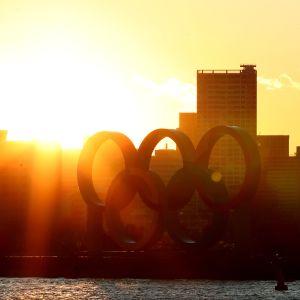 Tokion olympiajuhlaan on uponnut jo yli 20 miljardia euroa.