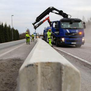 Valtatie 3:lla Hyvinkään ja Riihimäen rajalla.