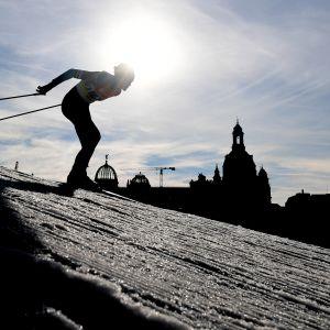 Suomen hiihtomaajoukkueessa riittää pohdittavaa. Kuvituskuva.
