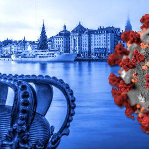 Kuvassa Tukholman vanhaa kaupunkia ja koronaviruskuvitus etualalla