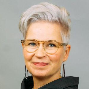 Vaasan ammattikorkeakoulun rehtoriksi valittu Kati Komulainen aloittaa tehtävässä 4.5.2020.