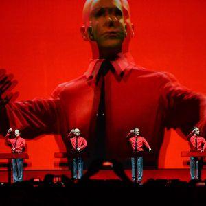 Kraftwerk esiintymässä 2015