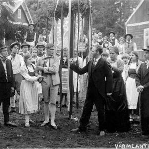 Helsingin Työväen näyttämön esitys Vermlantilaisia Vallilan ulkoilmateatterissa 1927