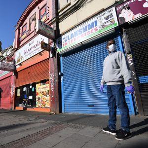 Intialainen ravintola Lontoon East Hamissa suljettuna.