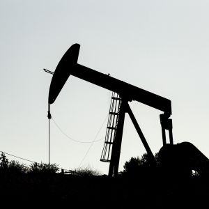 Öljypumppu Los Angelesin lähellä Yhdysvalloissa.