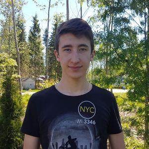 Lisäopetusta saava hyvinkääläinen Axel Tapaila, 15.