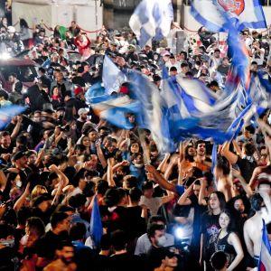 Napolin fanit juhlivat kaupungin keskustassa Italian cupin voittoa 18.6.