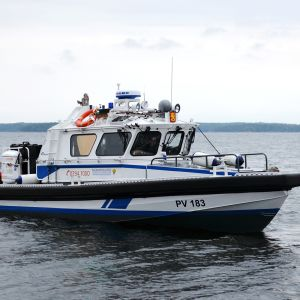Suomenlahden Merivartioston partiovene PV 183 Loviisassa 18. syyskuuta 2015.