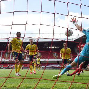 David McGoldrick iski maalin Sheffield Unitedille