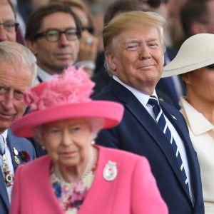 Kuningatar Elisabet ja Yhdysvaltain presidentti Donald Trump.