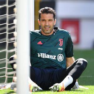 Ennätysmies Gianluigi Buffon