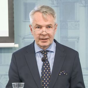 Ulkoministeri Pekka Haavisto hallituksen tiedotustilaisuudessa 8. heinäkuuta.