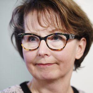 Kuvassa on valtakunnansyyttäjä Raija Toiviainen.