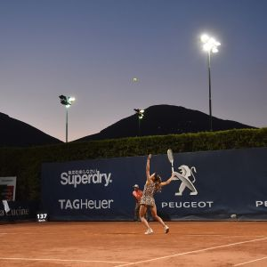 Camila Giorgi syöttää Palermon tennisturnauksessa