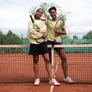 Tennissiskokset Naomi ja Wanda Holopainen tekevät nykyään työtä muun muassa suvaitsevaisuuden eteen.
