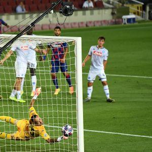 Lionel Messi ottelussa Napolia vastaan