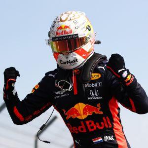 Max Verstappen tuuletti F1-kauden ensimmäistä voittoaan Silverstonesta.