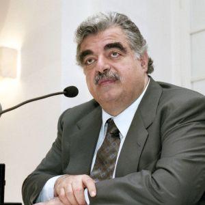 Libanonin silloinen pääministeri Rafik Hariri kuvattuna vuonna 1998. Hänet salamurhattiin 2005.