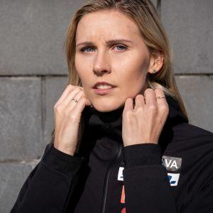 Suomen kolmiloikan ykkösnimi Kristiina Mäkelä halusi nostaa kauden päätteeksi esiin monen urheilijan kohtaaman ongelman.