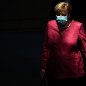 Kuvassa on Angel Merkel.