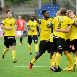 KuPS juhli HIFK-pelissä ja ponnahti sarjassa ohi HJK:n.
