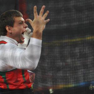 Moukarinheittäjä Vadim Devjatovski kärysi urallaan kolmesti dopingista, mutta sai tuomion vain yhdestä kärystä.