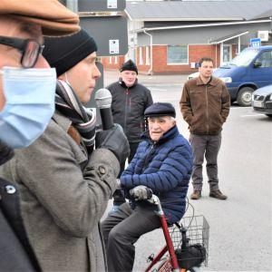 Kuvassa on Keskustan kuntavaalitilaisuus Kalajoella.