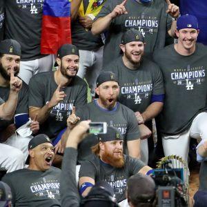 Los Angeles Dodgers juhlii mestaruutta.