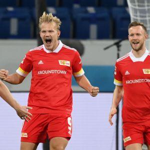 Union Berlinin Joel Pohjanpalo iloitsee voittomaalistaan Hoffenheimia vastaan.