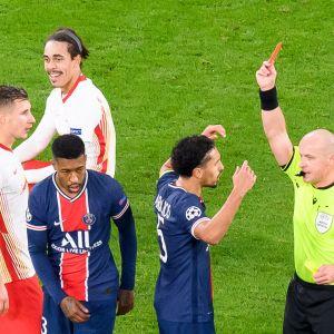 PSG:n Presnel Kimpembe saa punaisen kortin RB Leipzig-ottelussa.