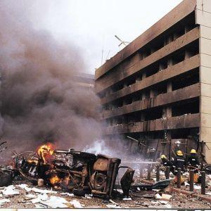 Yhdysvaltain lähetystön tuhoja Nairobin terrori-iskussa vuonna 1998.