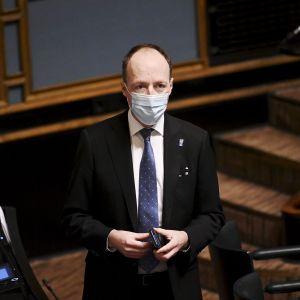 Perussuomalaisten Jussi Halla-aho eduskunnan täysistunnossa Helsingissä 11. marraskuuta 2020.