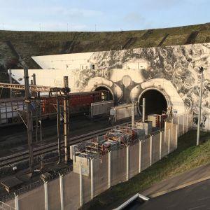 Eurotunnelin suu, Englannin kanaalin alittava junatunneli