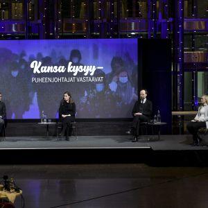 Keskustan puheenjohtaja Annika Saarikko (vas.), kokoomuksen puheenjohtaja Petteri Orpo, SDP:n puheenjohtaja Sanna Marin, perussuomalaisten puheenjohtaja Jussi Halla-aho ja vihreiden puheenjohtaja Maria Ohisalo Ilta-Sanomien kuntavaalitentissä.
