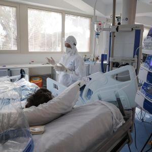 Sairastunutta hoidettiin teho-osastolla Rooman lähellä Italiassa 28. tammikuuta.