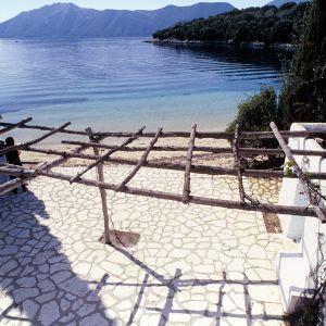 Näkymä Skorpios-saarelta kohti merta.